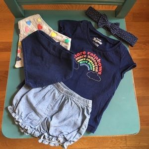 5-piece outfit bundle for your toddler! 🌈